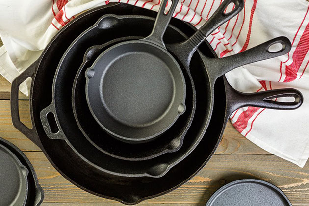 Things To Look For Before Buying Cast Iron Cookware - Mind the Weight